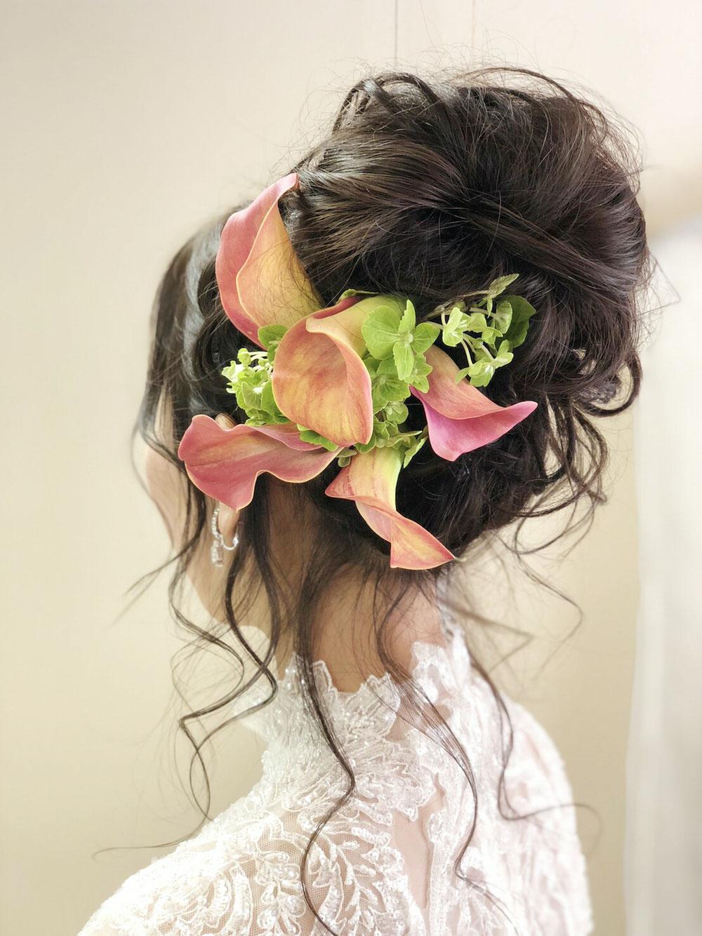 披露宴入場はお花を付けてご入場🎵  生花 Hana Uta