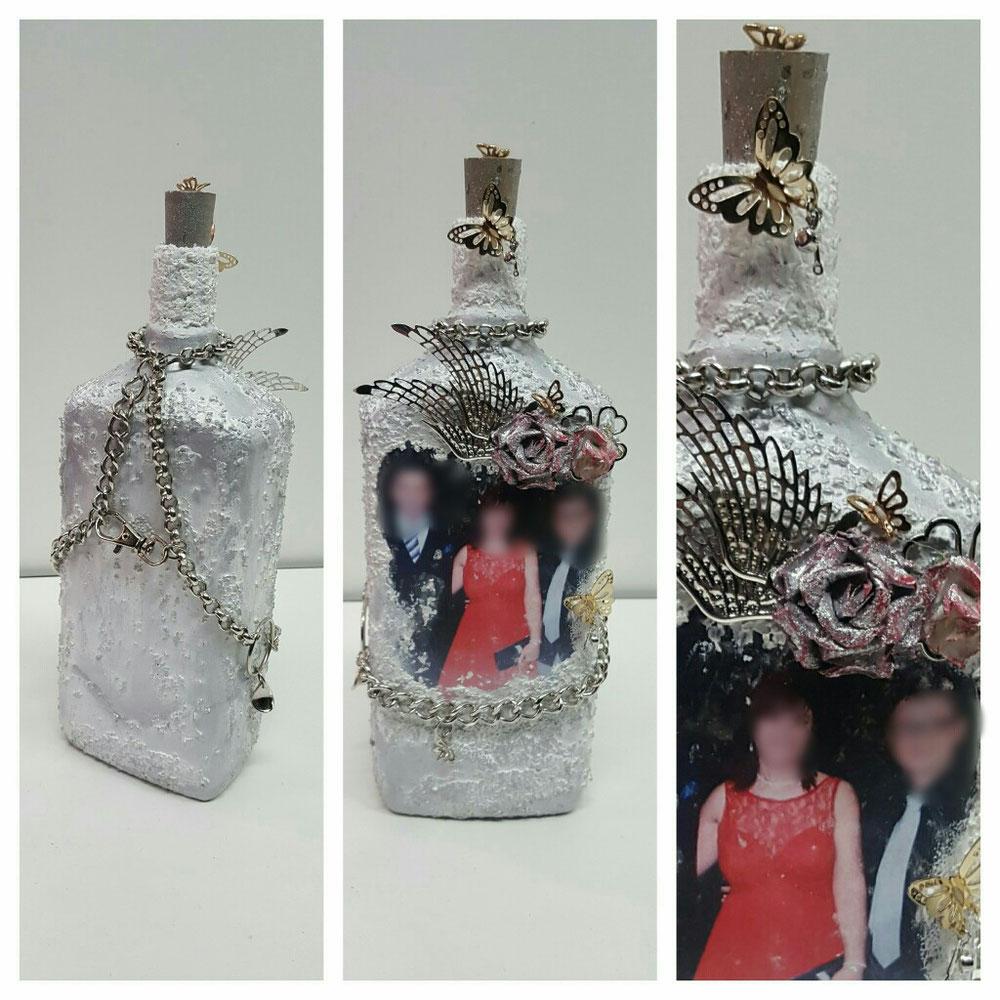 Bottiglia con foto + più aggiunta di oggetti decorativi