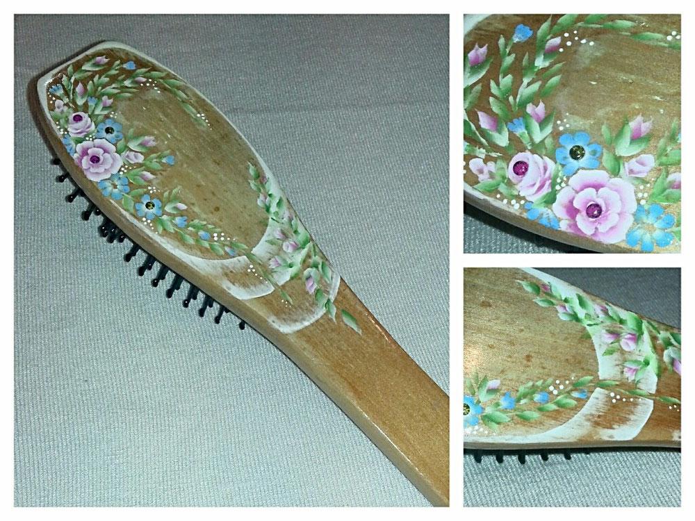 Spazzola in legno dipinta a mano