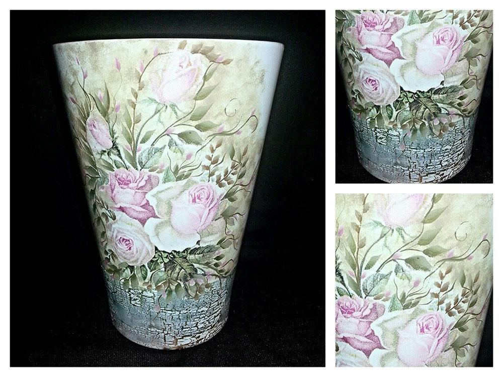 Vaso in ceramica,  misto decoupage e pittura a mano