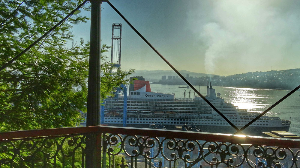 die RMS Queen Mary 2