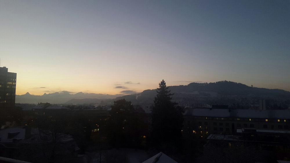 Sonnenaufgang im Berner Oberland