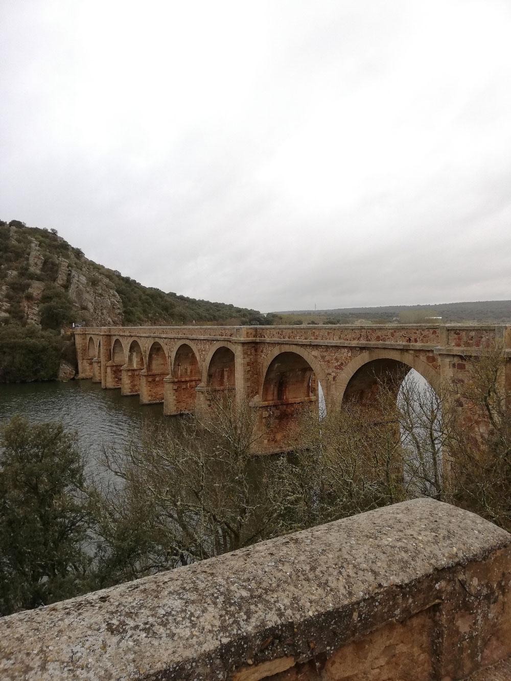 Brücke über den Fluss Esla