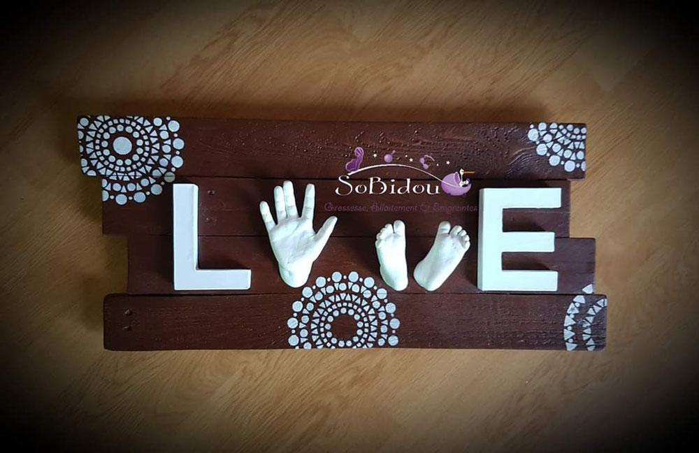 """Cadre #empreinte3d """"LOVE""""  en bois fait sur mesure par #sobidou #naissance #var #6fours"""