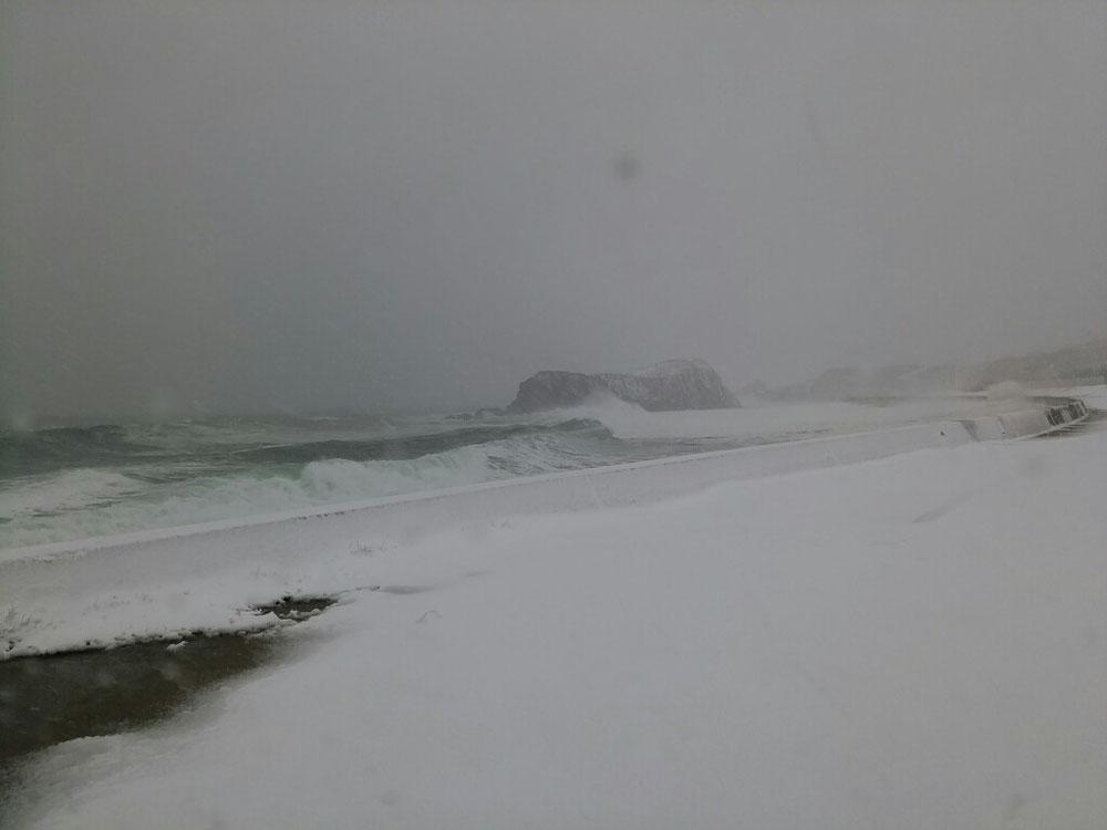 立岩も初冠雪