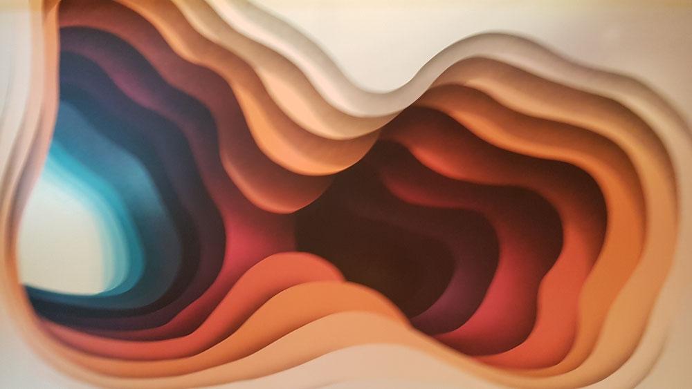 Eines der neuen Kunstwerke vor der TUI-BAR