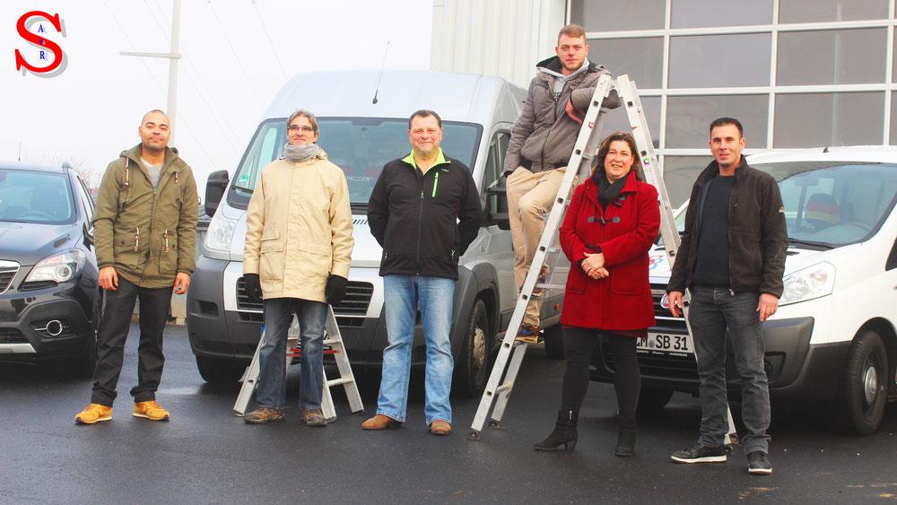 Gruppenfoto aller Mitarbeiter der Firma Montageservice Sittner