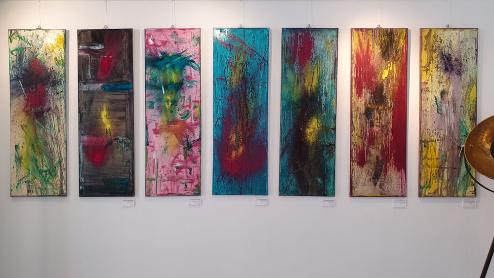 Violett V, VI, VII, XIII, XIV, XV, XVI, 120 cm × 30 cm, oil, pigments on canvas, 2019 copyright Christina Mitterhuber