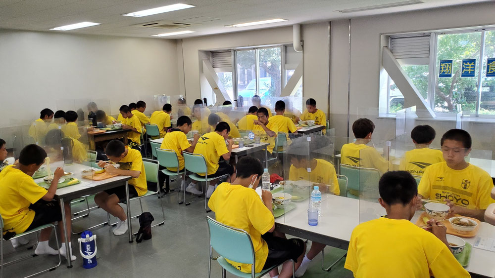 7/24試合後の栄養補給【食堂昼食】