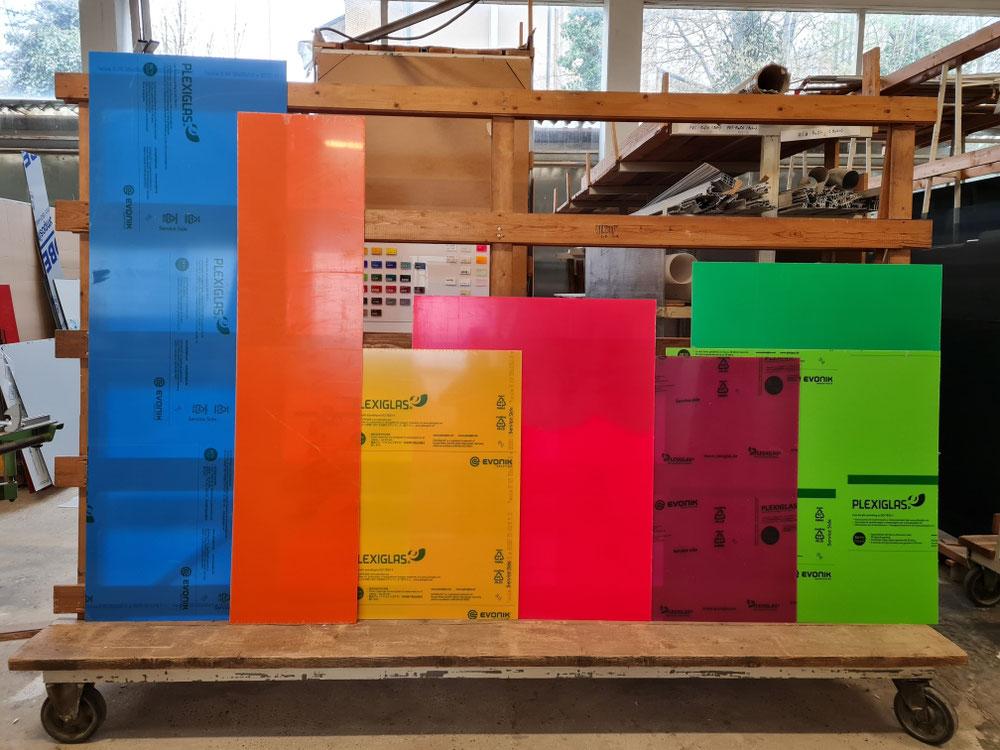 Farbige Plaxiglas Platten (z.B. für Küchenrückwände)