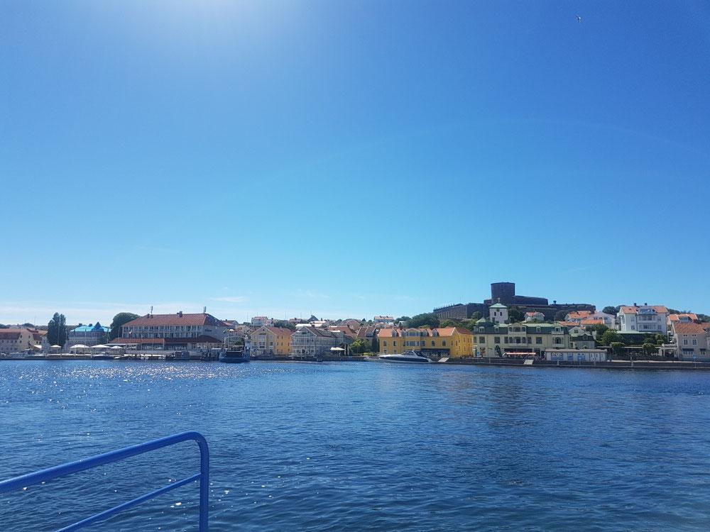 Ds Inseli Marstrand isch diräkt oberhaub vo Göteburg. Hei üs ärä Burgbesichtigung gwidmet uf der Insel der Schönen und Reichen. Auso grad passend für üs nach 3 Wuchä campä und äm verroschtetä Toyota😊