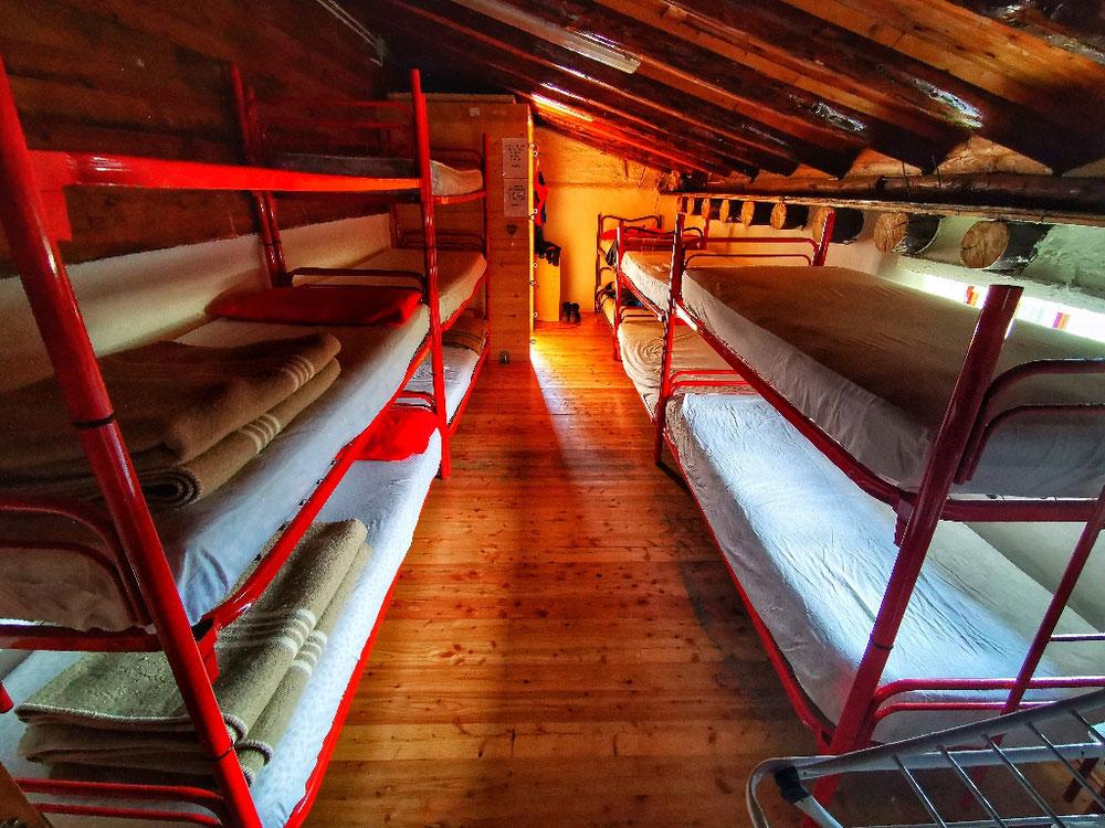Der Schlafsaal im Rifugio Angelino Bozzi