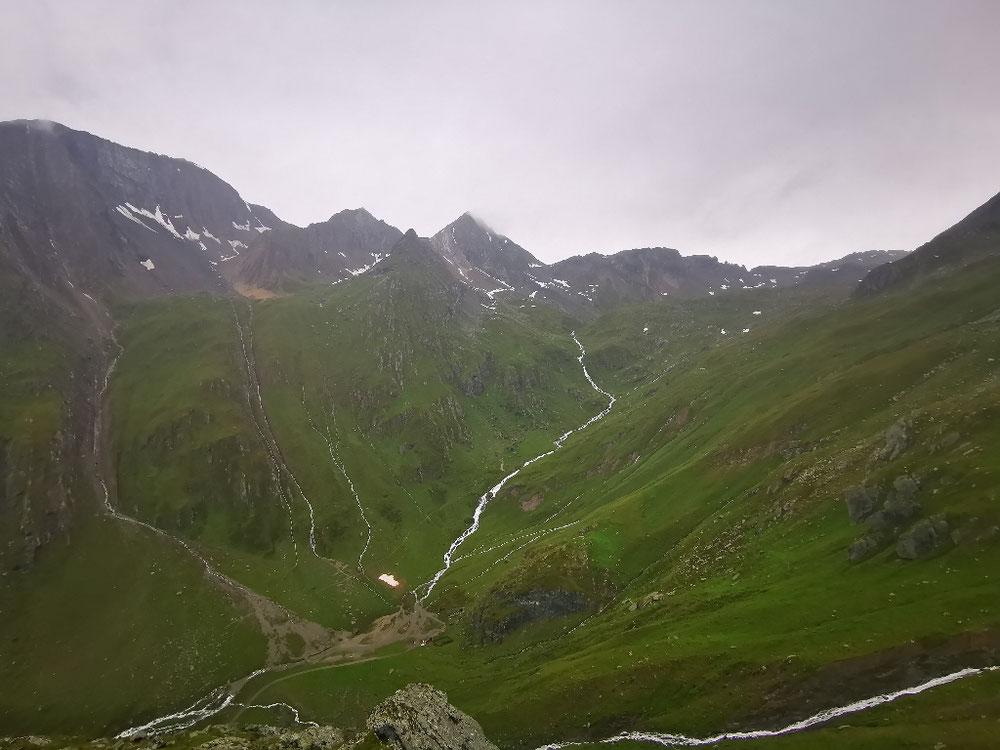 Blick auf den Talschluss und die Eisseehütte