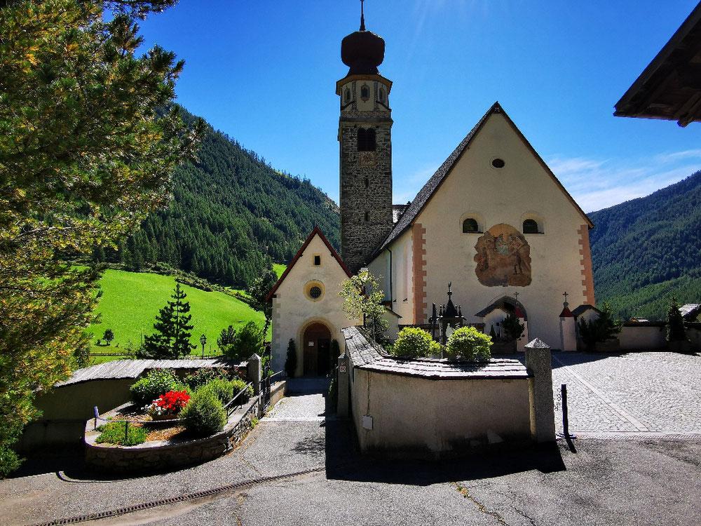 Pause an der Dorfkirche
