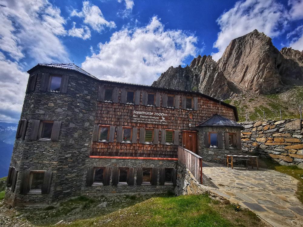 Die Sajathütte, das Schloss in den Bergen