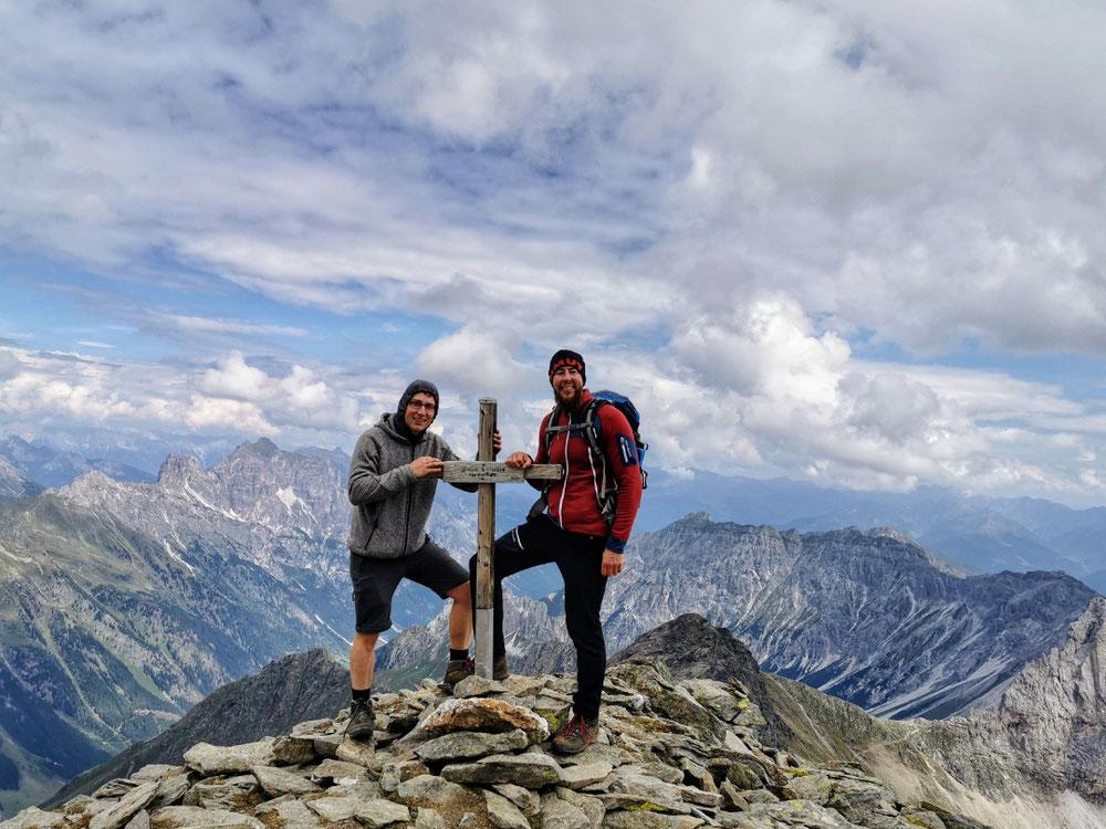 Am Gipfel des Hohen Zahn 2.927m