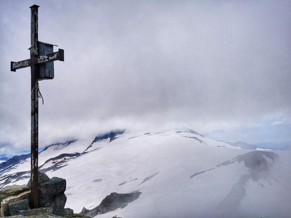 Überragender Ausblick an der Weißspitze auf 3.300m