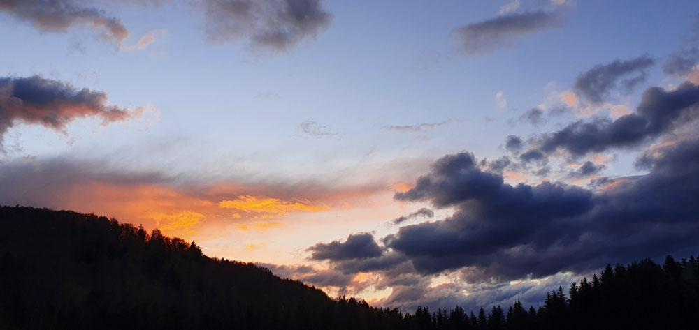 05.05.21 Abendstimmung über Gollnerberg, saukalt is