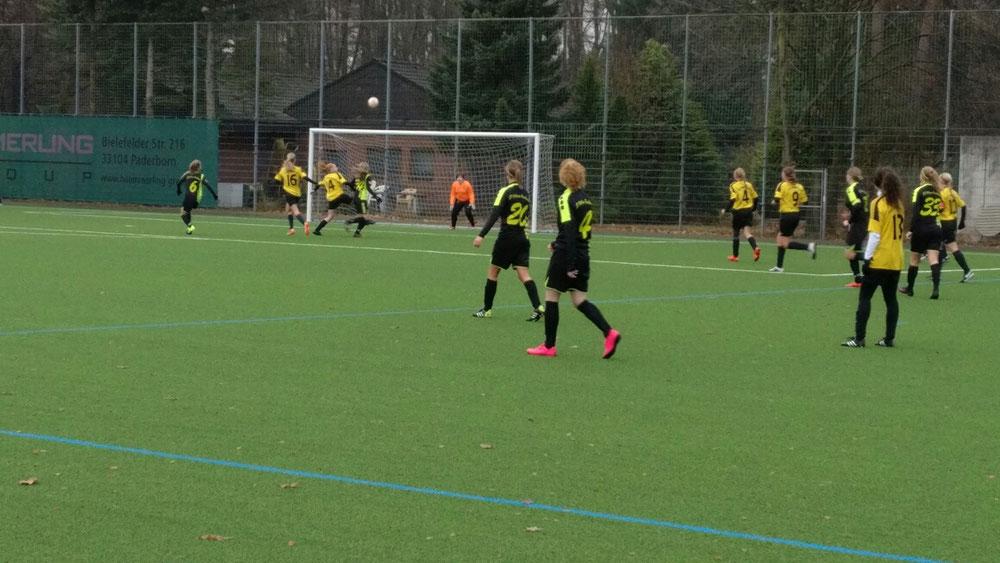 Ottbergen machte während der zweiten Halbzeit viel Druck und war die klar dominante Mannschaft