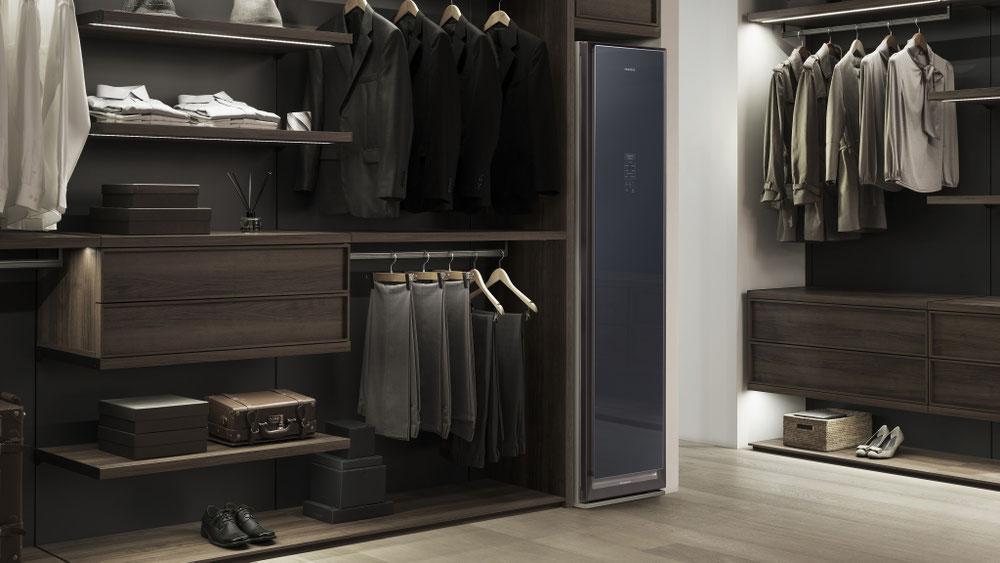 يوفر جهاز تنقية الملابس الجديد الذي يجمع بين لتصميم العصري والتكنولوجيا المبتكرة حلاً فريداً وأكثر فعالية من حيث الوقت التكلفة لتعقيم الملابس وإزالة الروائح منها
