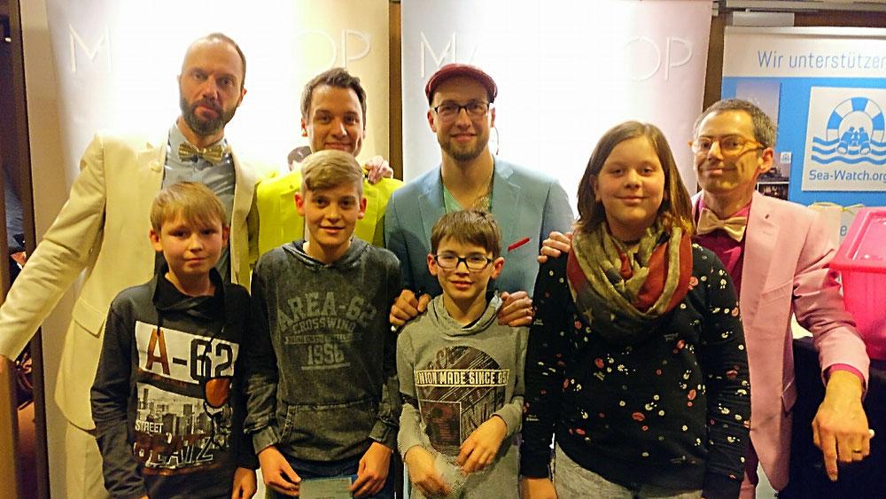 Die Schüler der Oberschule mit der Gruppe Maybebop.  Foto: Kramer