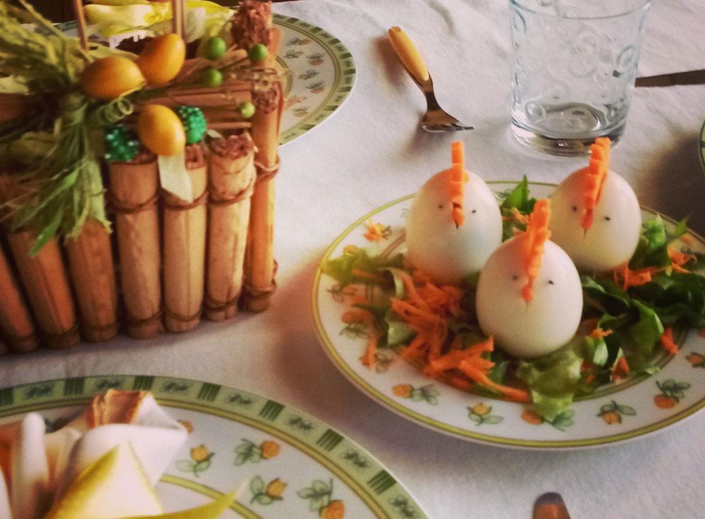 Uova sode a forma di gallina