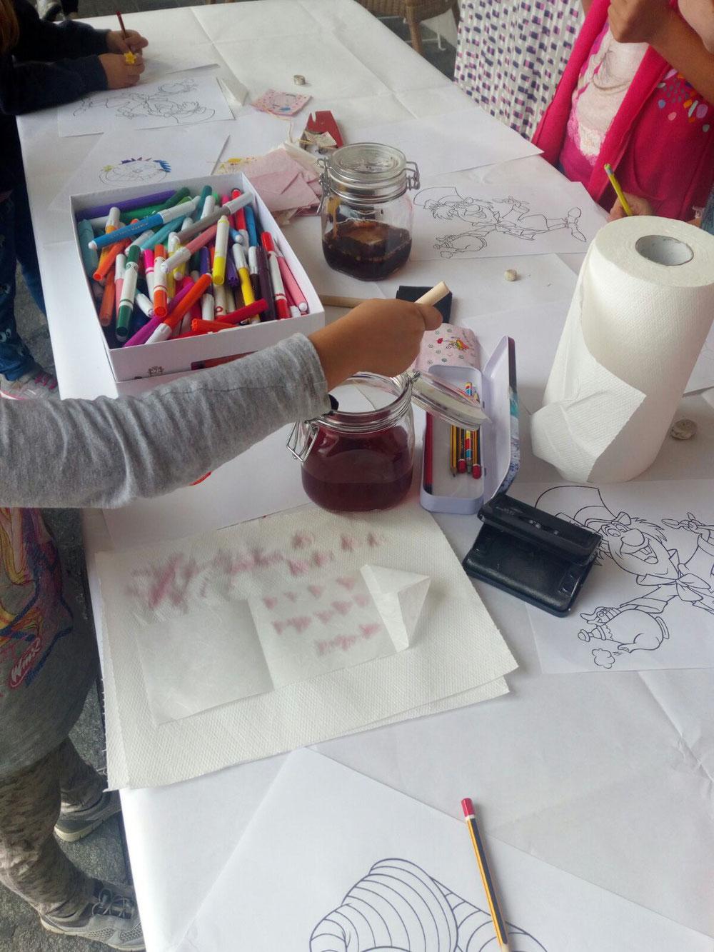 Laboratorio creativo con colorazioni naturali