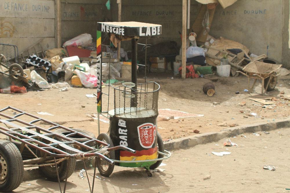 In Dakar am Straßenrand