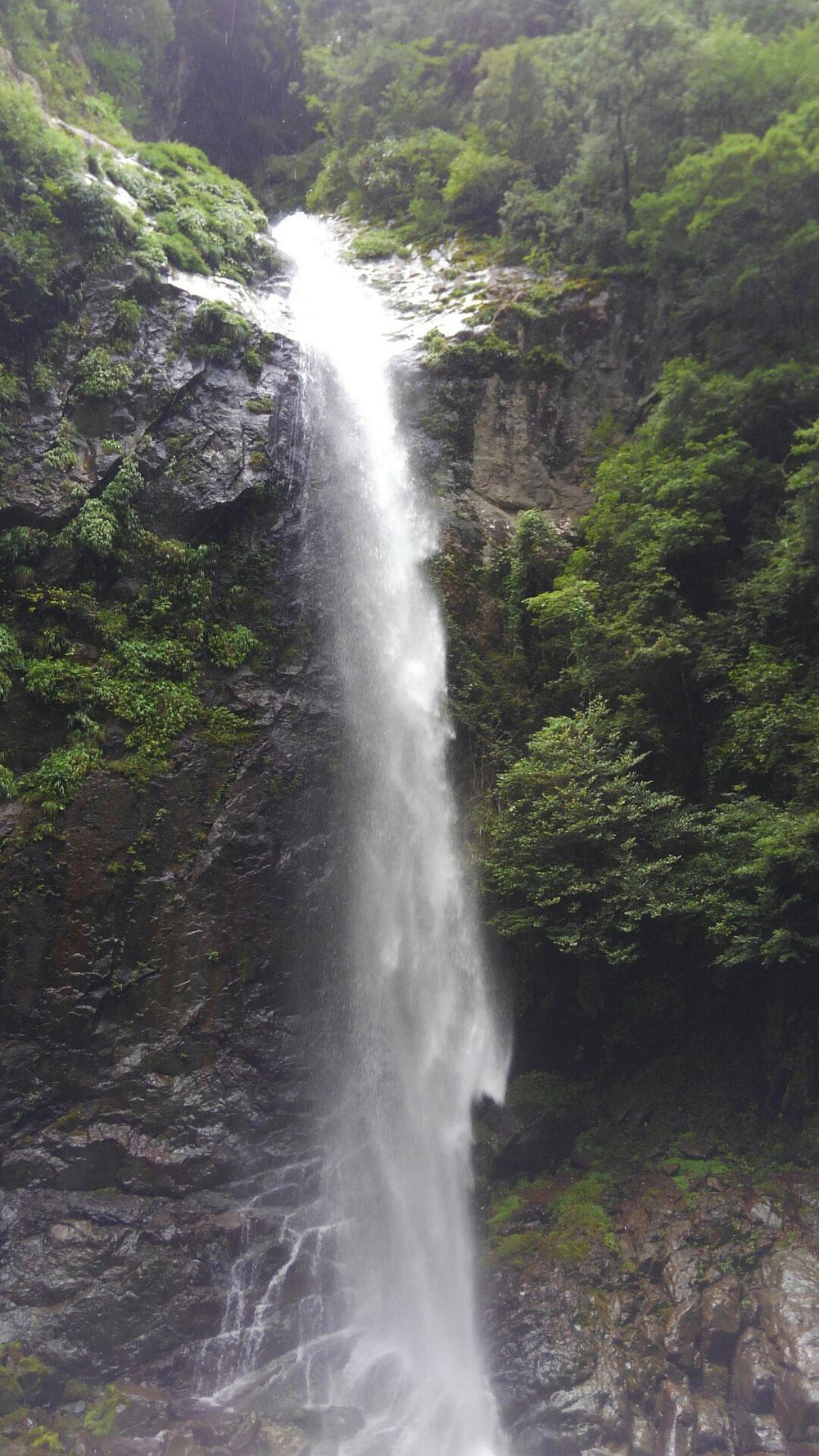 夏の六十尋の滝