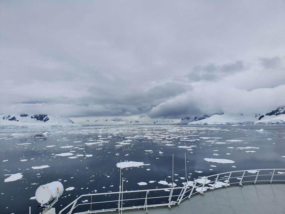 Eis soweit das Auge reicht
