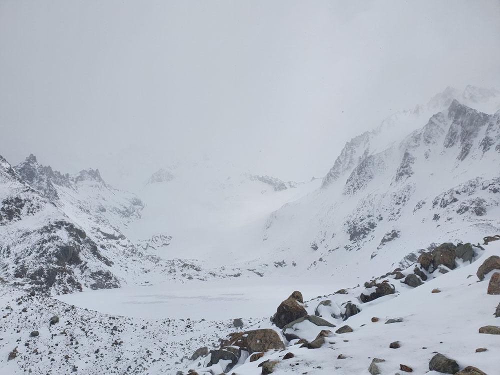 Aussichtspunkt am Fuße des Fitz Roy - mal wieder in Nebel und Schneetreiben
