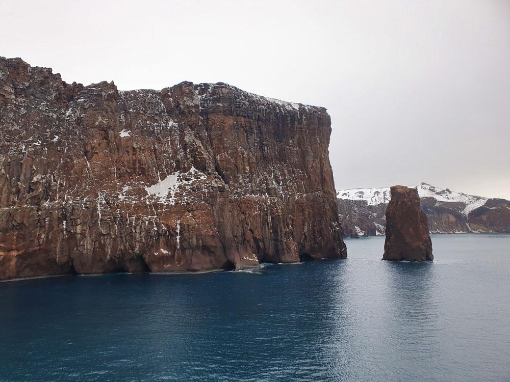 Die Wächter der Zufahrt zu Deception Island
