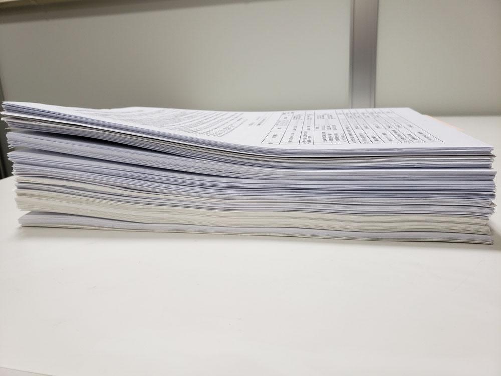 8cmの高さの申請書