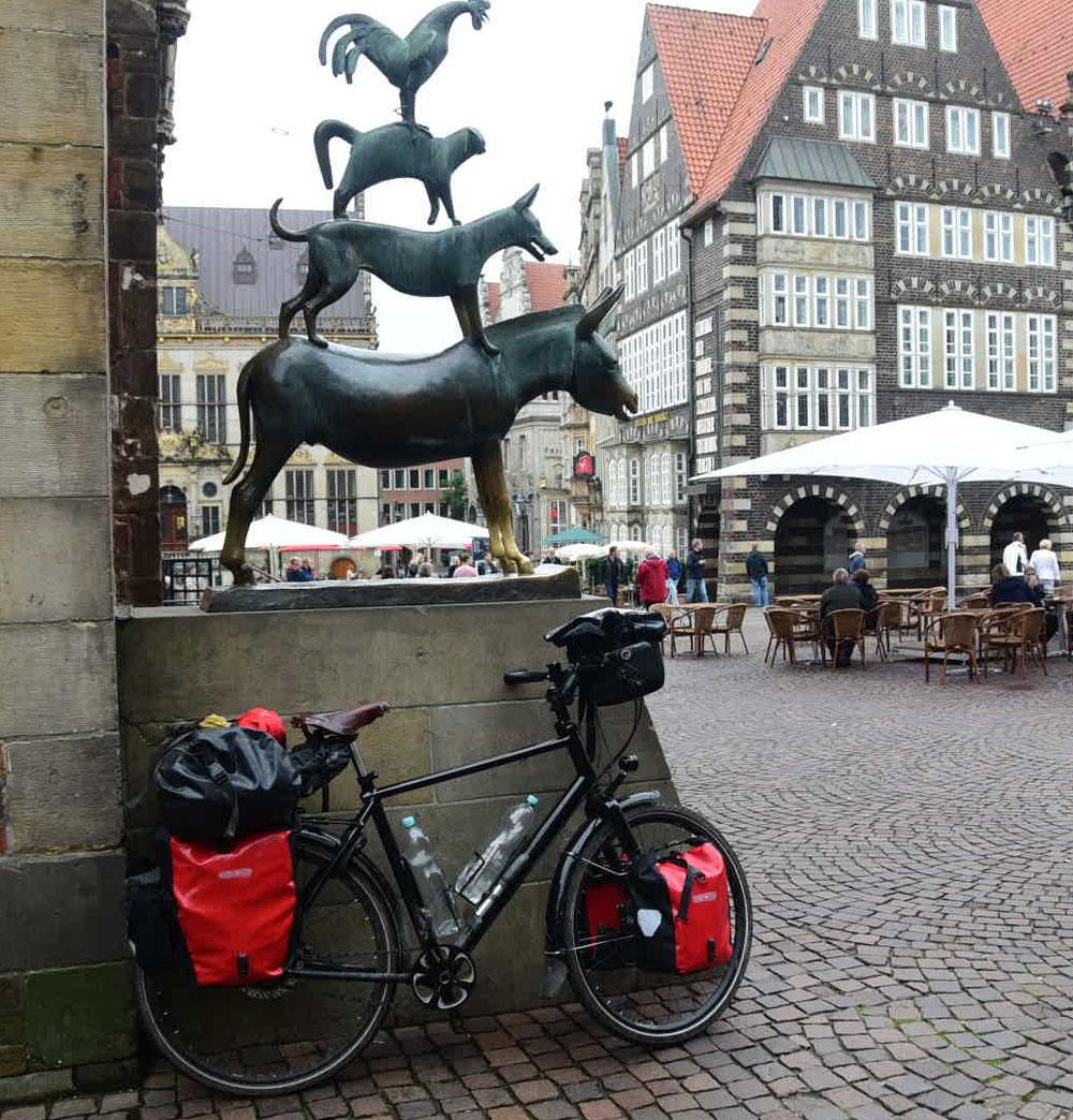 Die Bremer Stadtmusikanten - diesmal mit gleich zwei Eseln