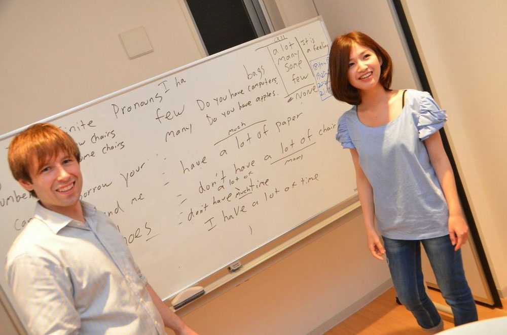 留学の情報交換もしております。名古屋市 栄の留学対策 格安英会話教室 えいごシャワー