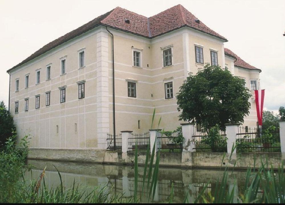 Schloss in Burgau