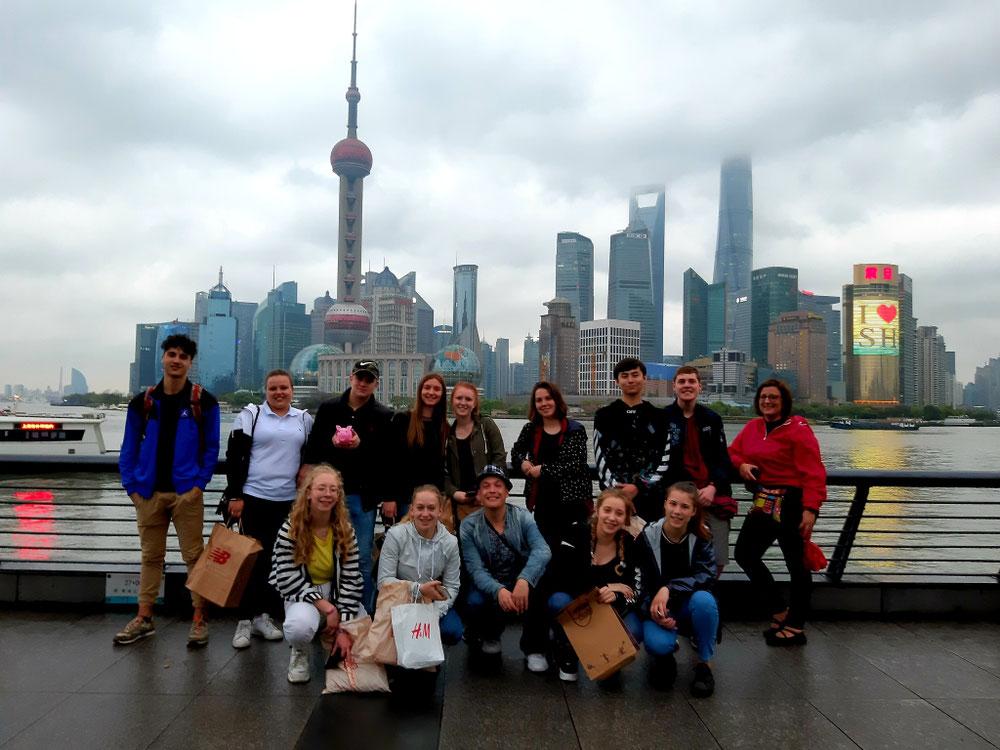 Malheureusement et suite à une mauvaise meteo ; nous ne ferons pas notre croisière sur Shanghai... nous serons, bien évidemment,  remboursés...