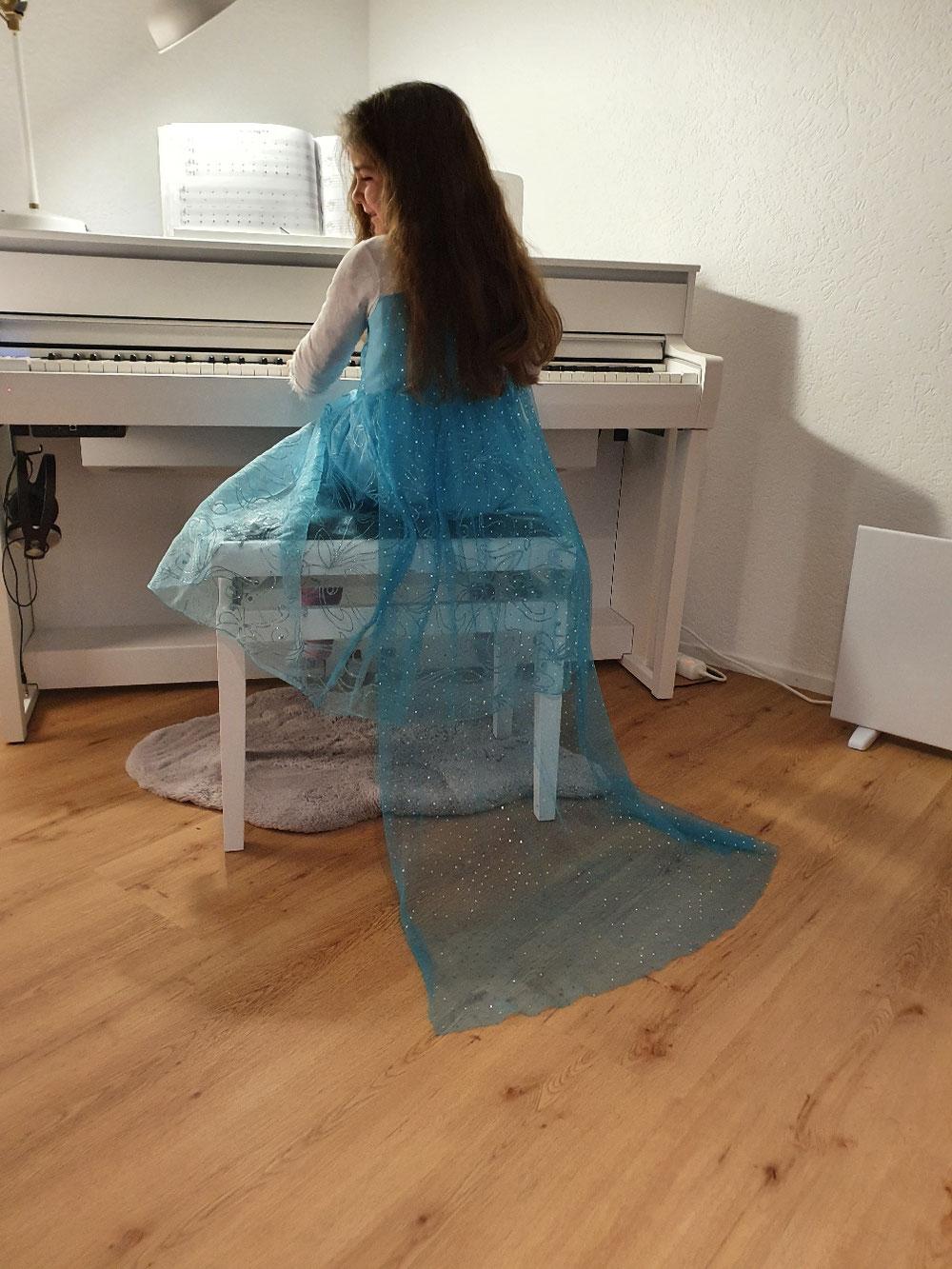 Es ist Nie zu früh Klavier spielen zu lernen