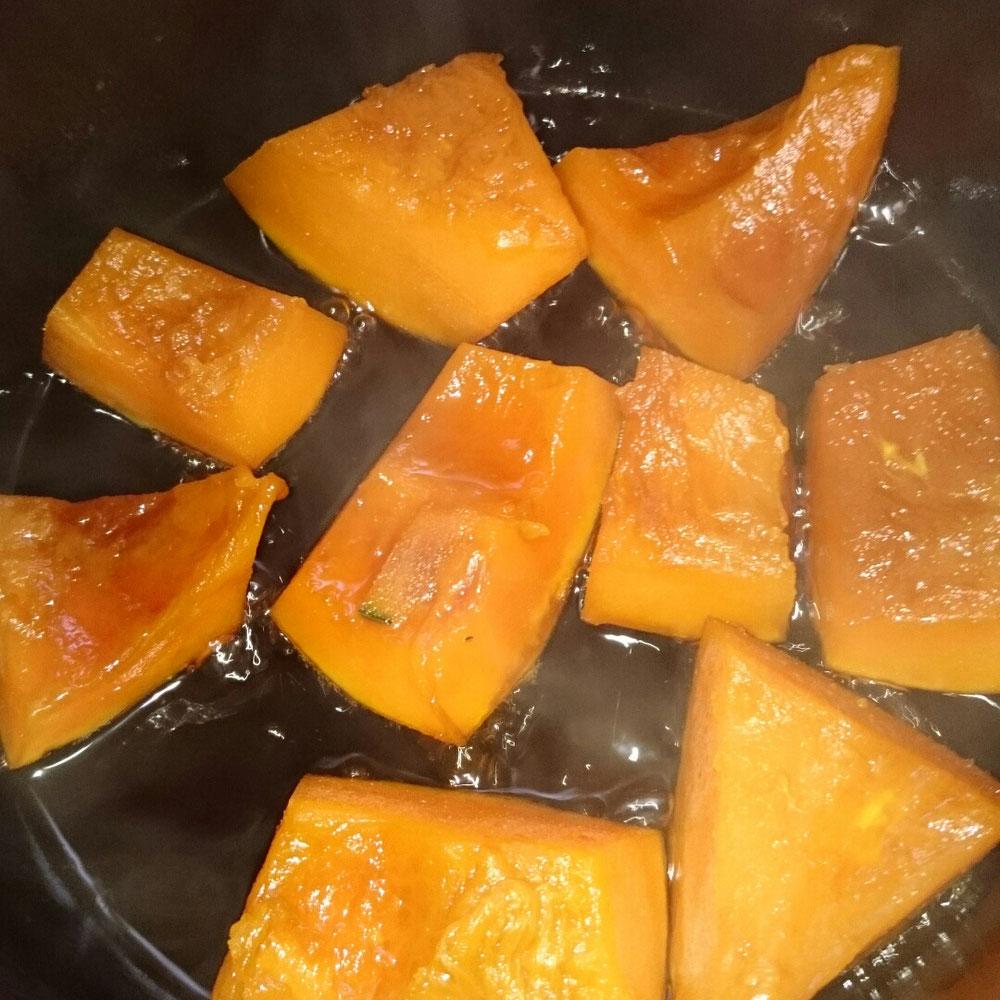 ビワ酒でカボチャの煮付け