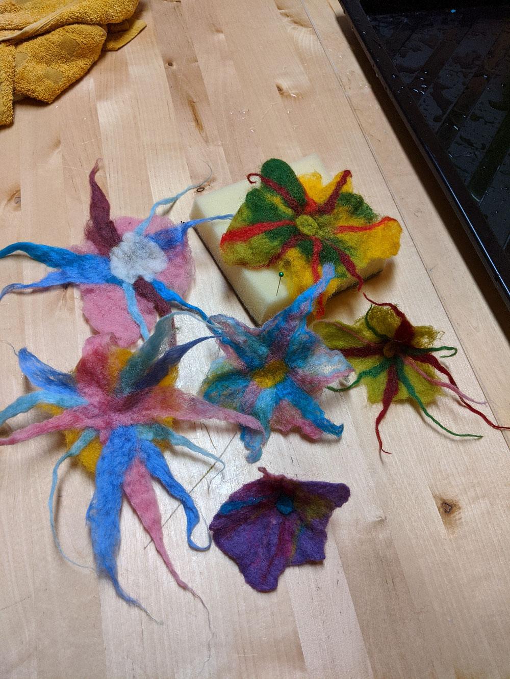 Filz Blumen in der Mama & Kind-Werkstatt
