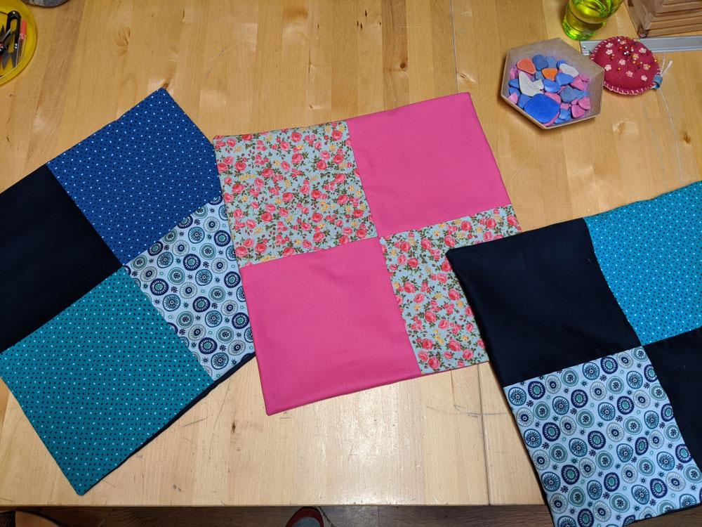 Patchwork-Kissenhüllen in der Mama & Kind Werkstatt