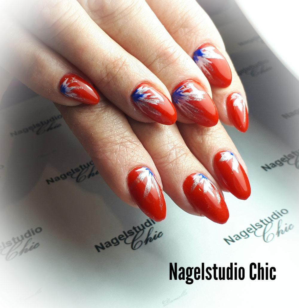 Roos,wit,blauwe nailart