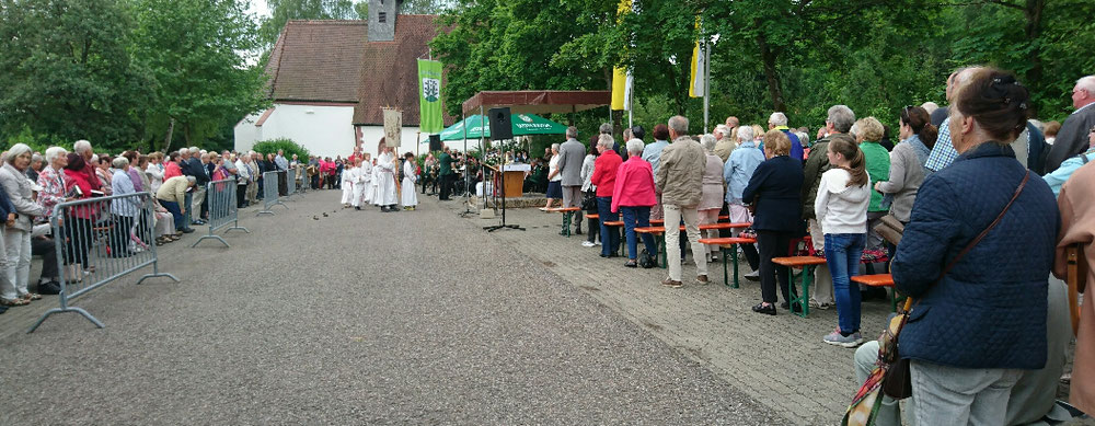 Gottesdienst vor der Wolfgangskapelle