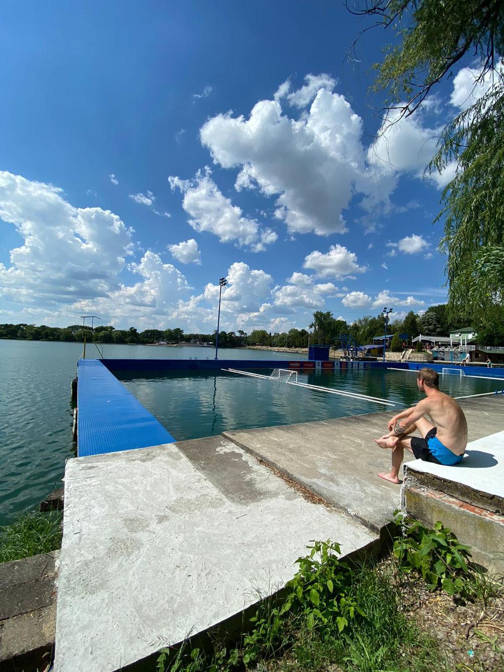 Ein idyllischer See kurz an der serbisch-rumänischen Grenze