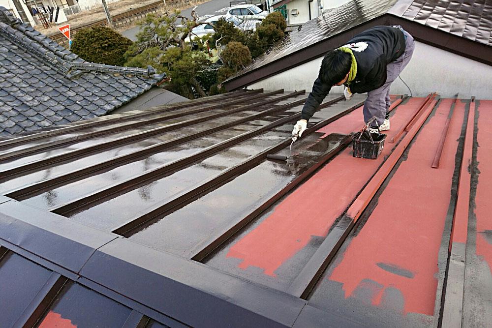 屋根の補修もお任せ下さい!丁寧な作業をお約束します!