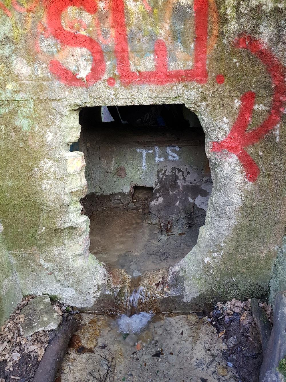 der Zugang durch den Abwasserstollen, 280m