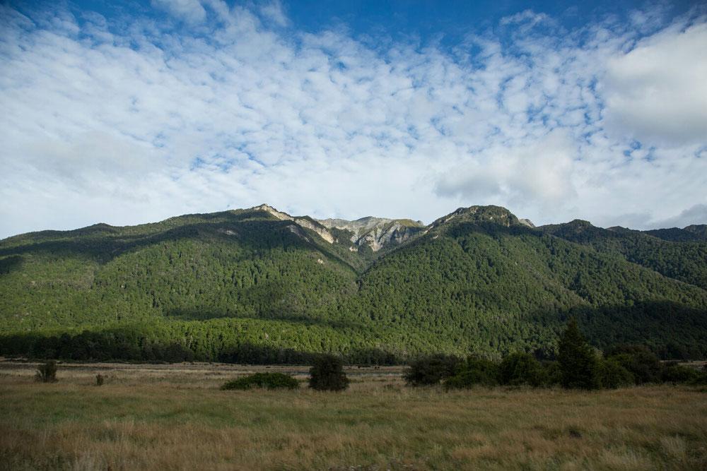 Tolle Bergwelt auf dem Weg.