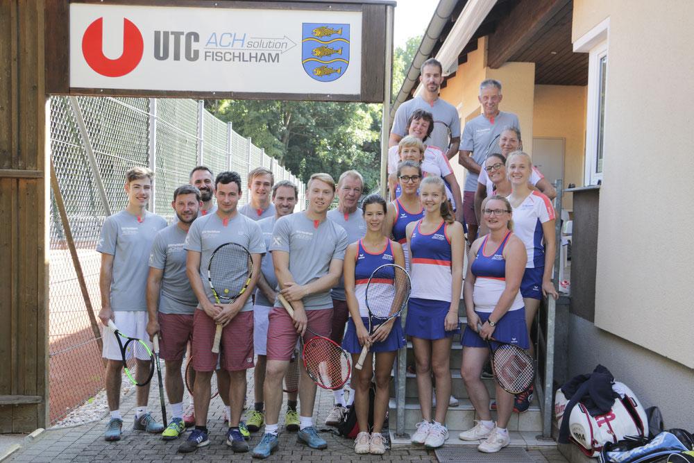 Damen- und Herrenmannschaft UTC Ach Solution Fischlham im Jahr 2017