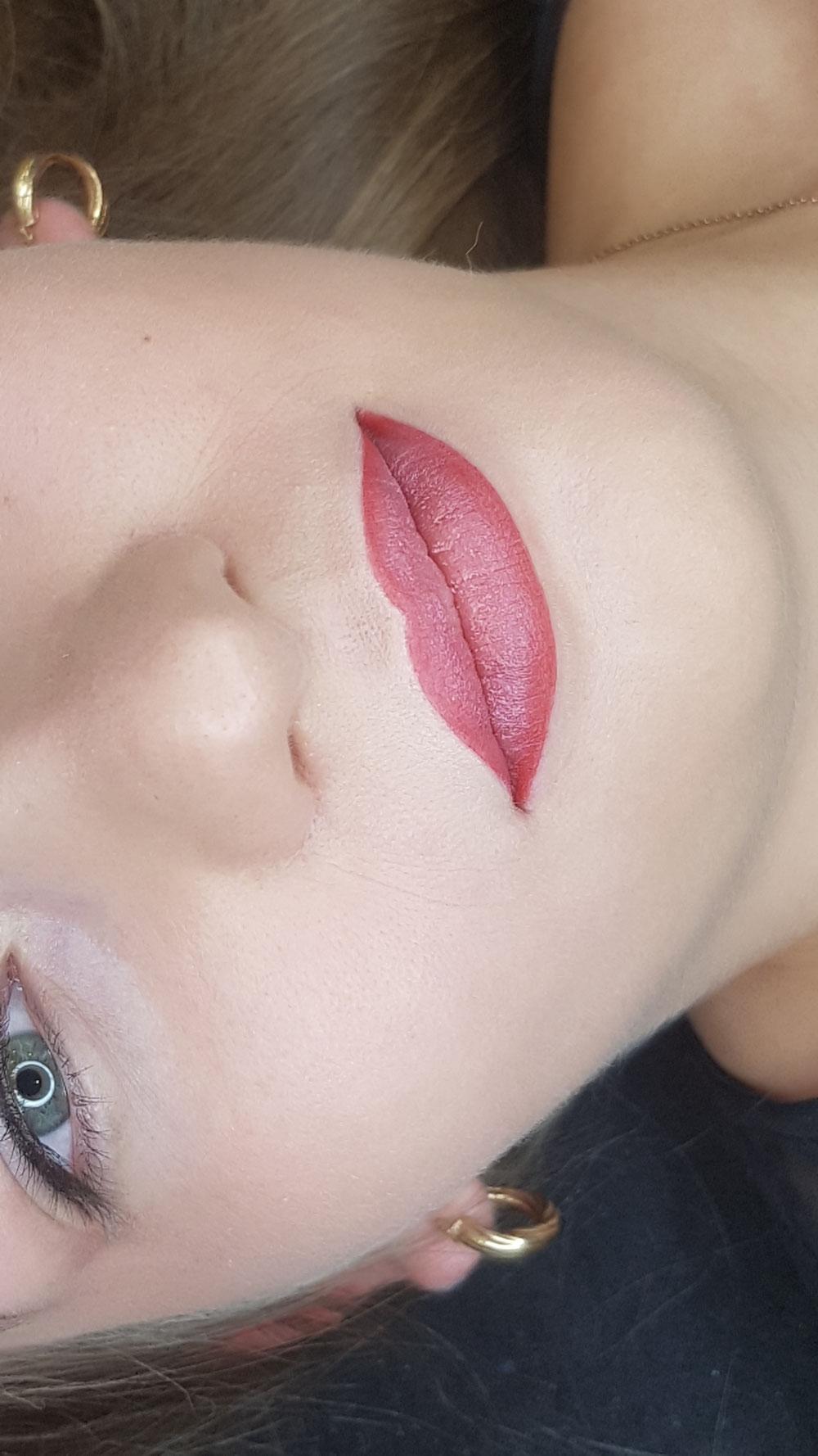 Perfekcyjnie usta permanentne