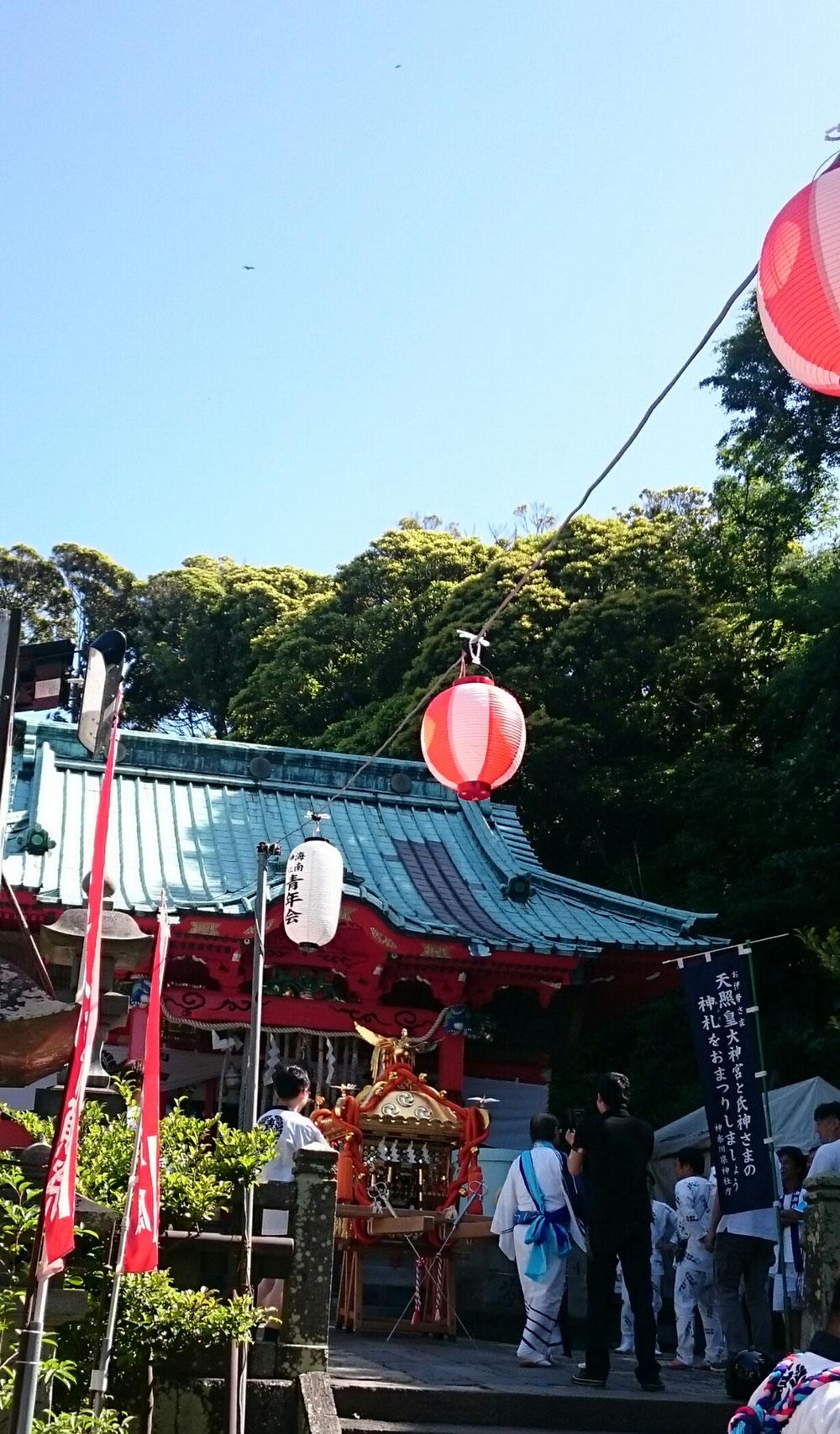 海南神社の御神輿